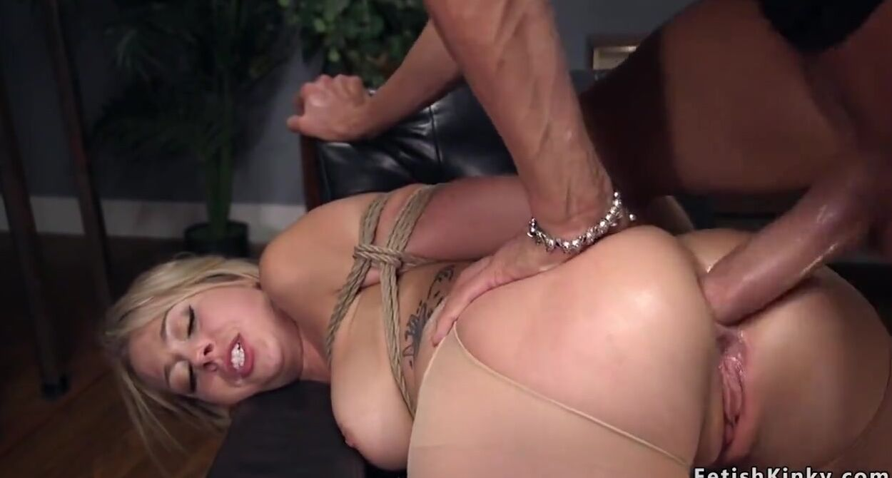 Deep Anal Sex Young Brunette