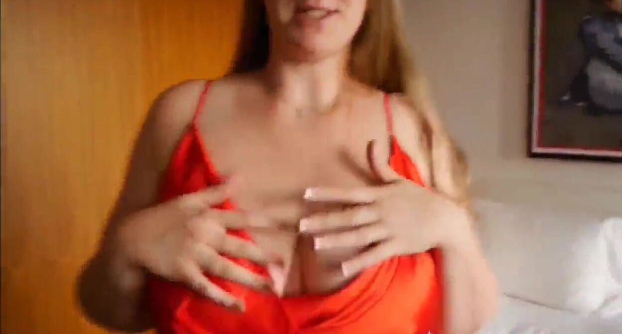 Hot Brunette Big Natural Tits