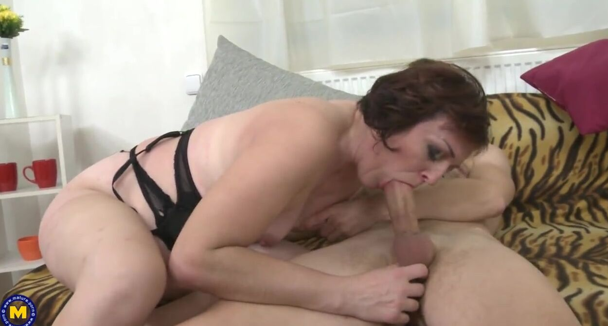 Fucking Stepsister While Mom