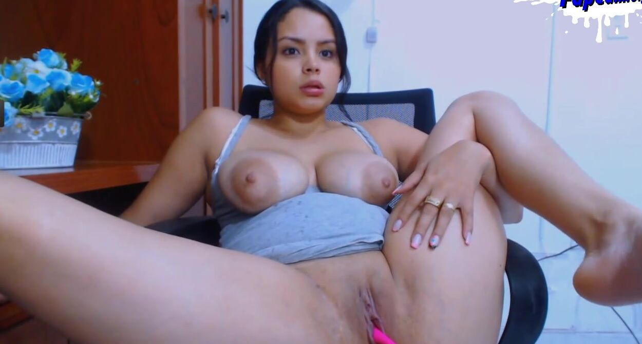 Amateur Huge Tits Strip