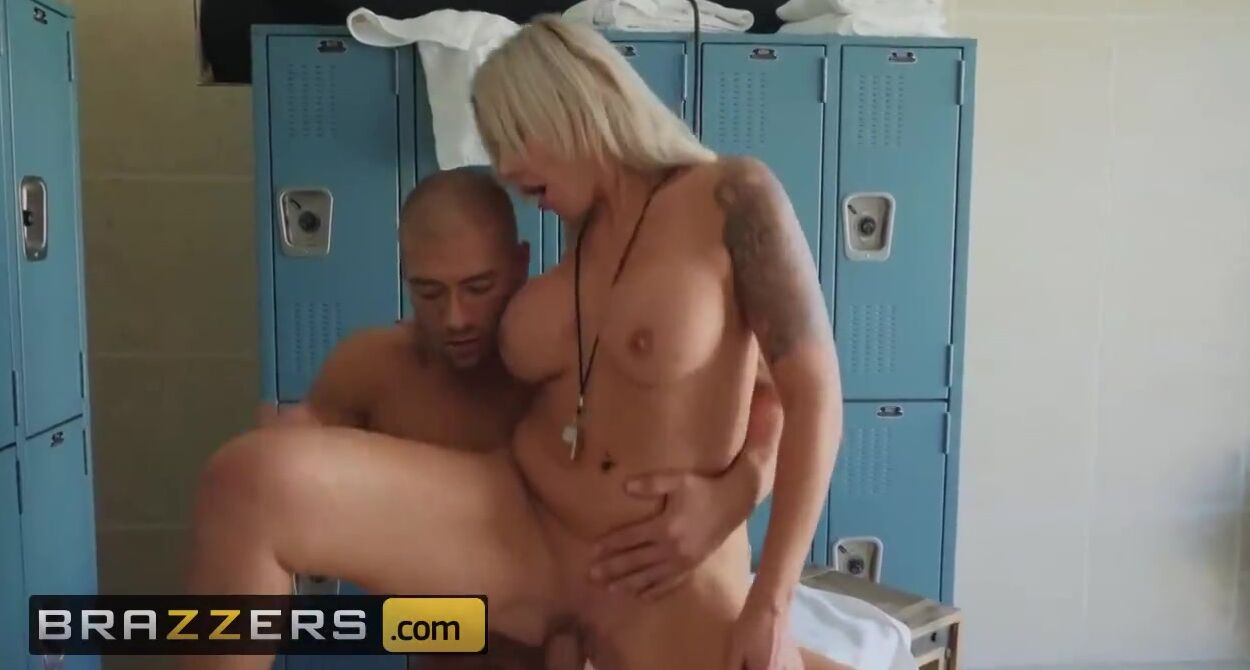 Thick Blonde Girl Fucked