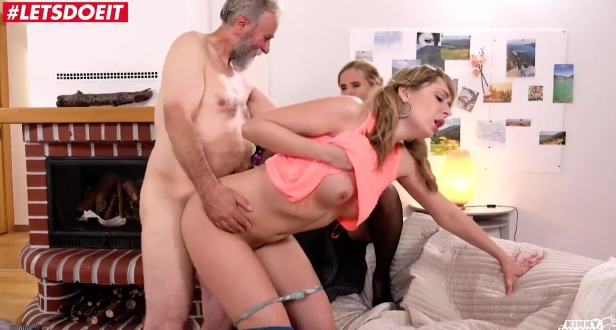 Step Dad Fucks Nerdy Daughter