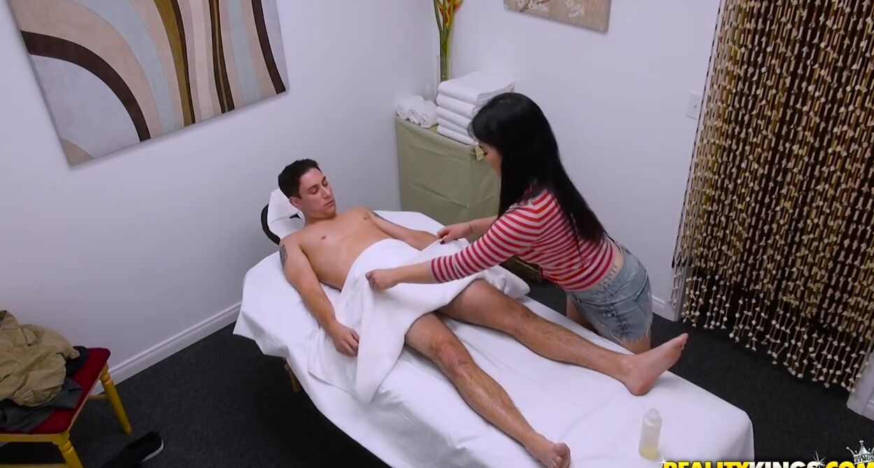 Asiatic Massage Porn petite asian masseuse is giving a dick massage to her