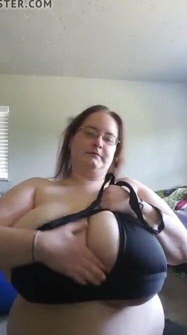 Huge Natural Tits Milf Hd