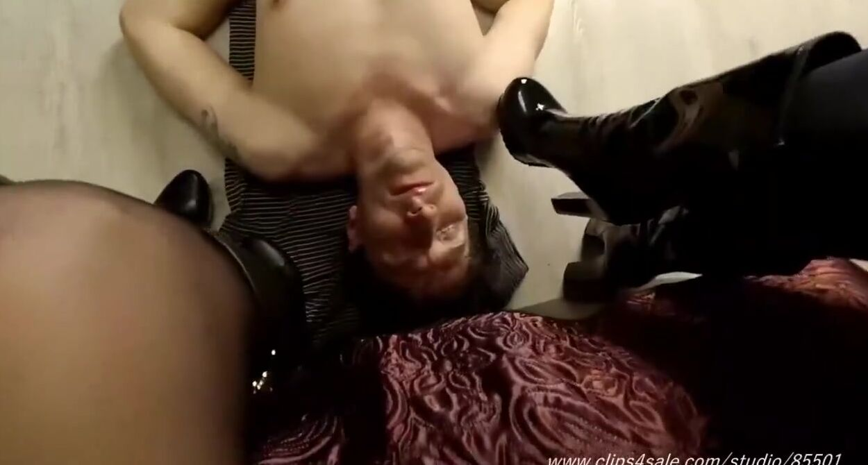Ebony Mistress Foot Worship