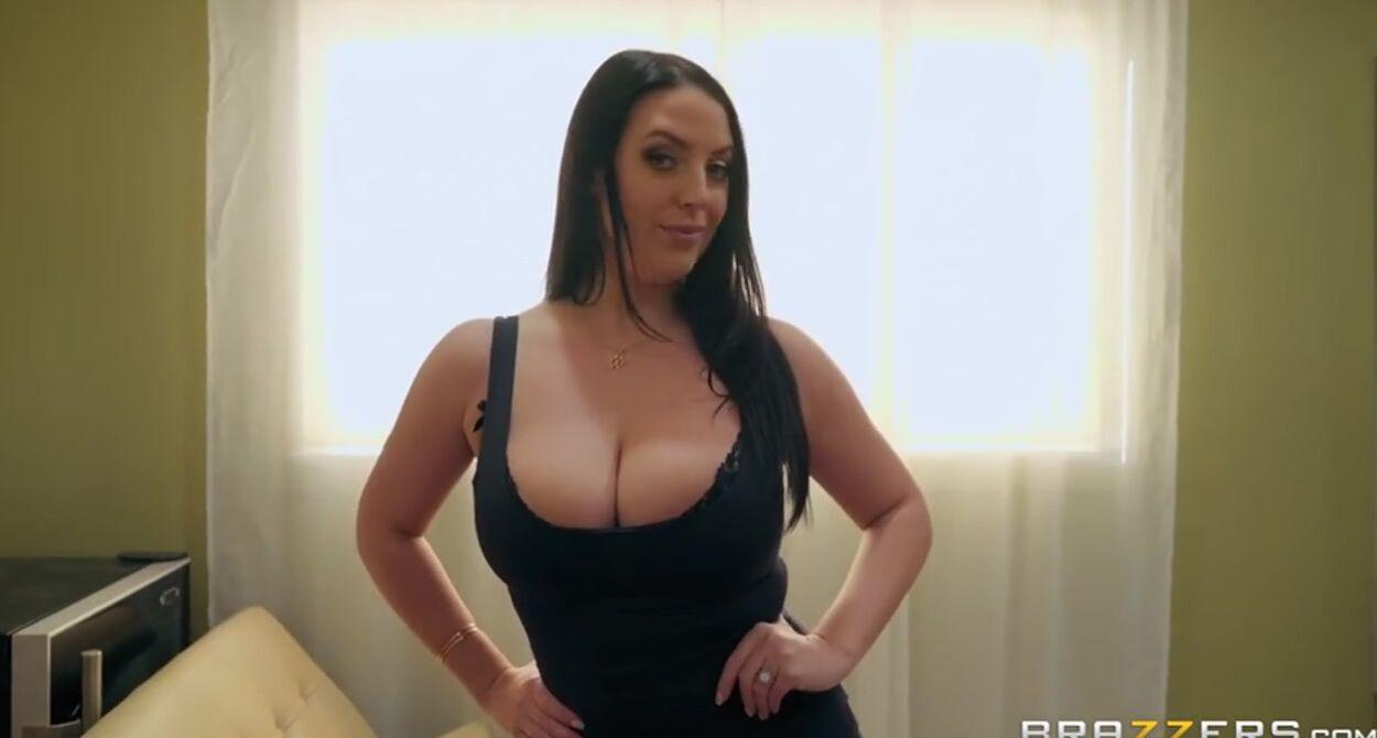 Big Tit Brunette Milf Blowjob